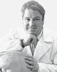 Foto del Dr. Lorenzo Favero