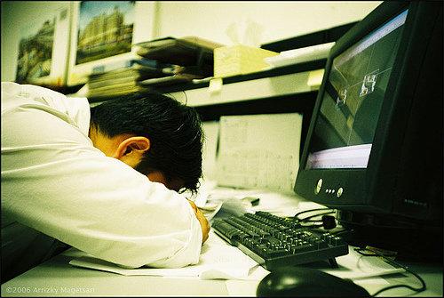 alessandro.raggi_sleep_at_desk1
