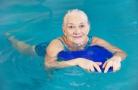 I benefici del nuoto per l'anziano